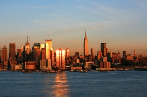 Rich foreign buyers may see NYC luxury market asbargain